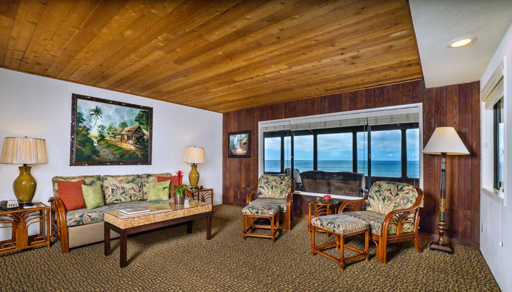 One Bedroom Premium Ocean View Cottage Living Room - Room 211
