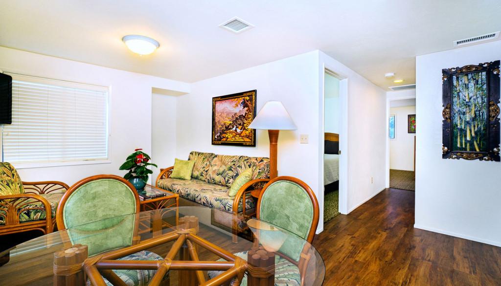 2 Bed Cottage Living Room