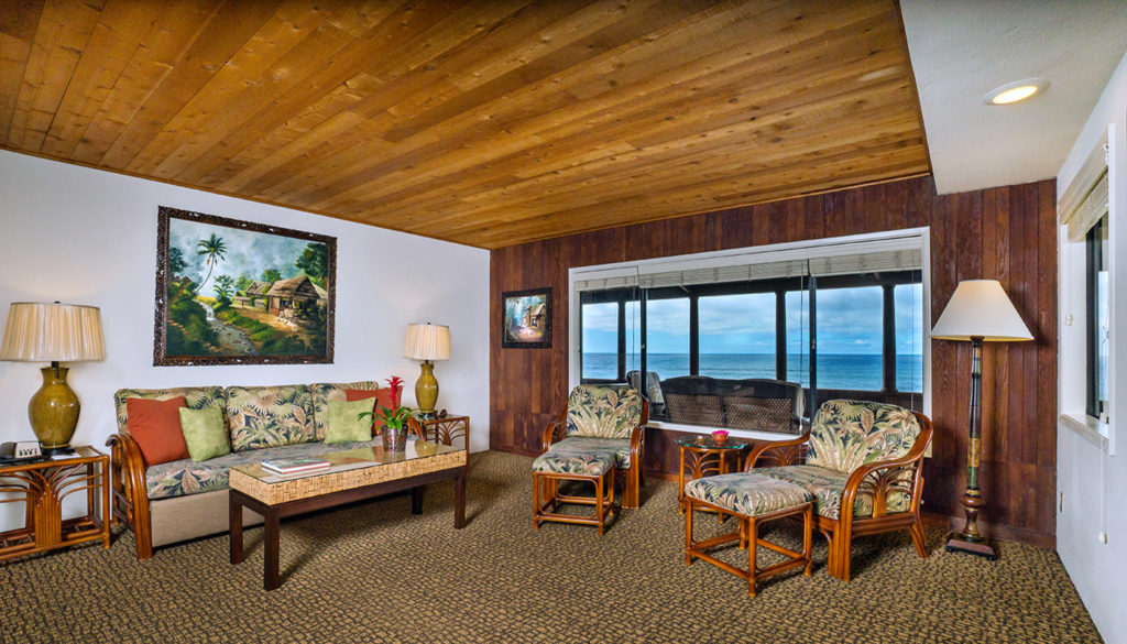 One Bedroom Premium Ocean View Cottage Living Room - Room 211