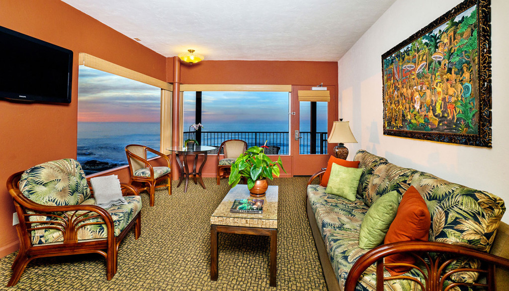 Pantai Inn La Jolla One Bedroom Living Room